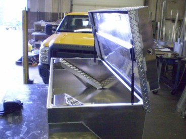Custom Tool Box with ATV Storage notched for a short box pickup (7)